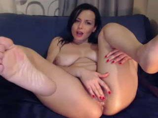 Webcam Belle - naughtyelle white cam babe with big tits goes doggie style online