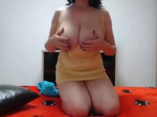Webcam Belle - angell6969 amateur cam mature with big tits enjoys hot live sex on the camera