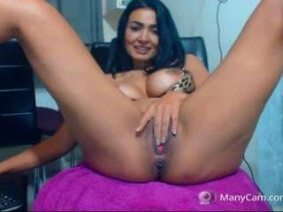 Webcam Belle - nauty_leila milf cam babe is ready for good dildo fucking