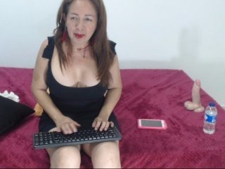 Webcam Belle - peneloefox redhead spanish cam girl doing it solo, pleasuring her tight pussy live on cam