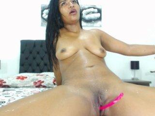 Webcam Belle - ashleycoop spanish cam babe wants her asshole humped on camera