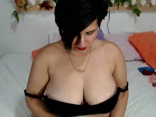 Webcam Belle - paola_williams cam mature with hairy pussy enjoys hot live sex on camera