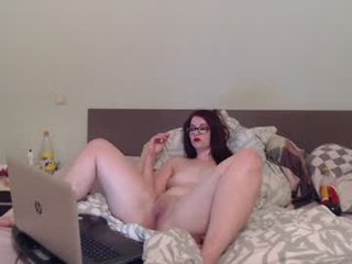 Webcam Belle - germangirl1996 redhead cam babe enjoys her loved dildo online