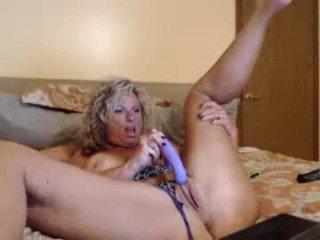 Webcam Belle - zeana34g amateur cam mature with big tits enjoys hot live sex on the camera