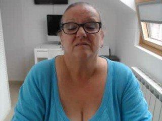 Webcam Belle - heathersecrets big tits spanish cam babe loves fucking on camera
