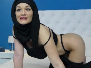 Webcam Belle - daliyaarabian eastern webcam girl enjoying his big tits
