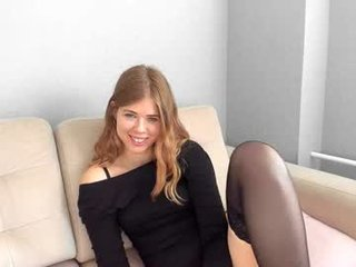 Webcam Belle - gatta_bianca blonde cam babe with small tits needs much live sex