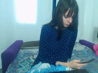Webcam Belle - lucky_case19 kinky cam girl in fetish action where's she her holes penetrated online