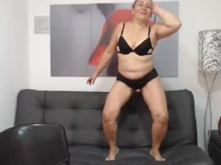 Webcam Belle - barbarah_ cam mature with hairy pussy enjoys hot live sex on camera